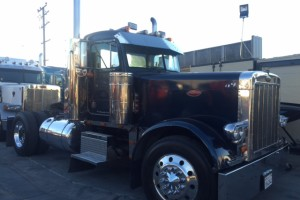 1989 Peterbilt 379 Extended Hood Single Axle Daycab