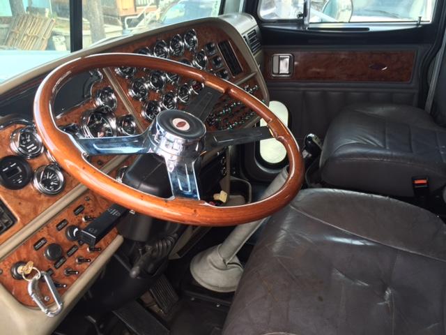2003 Peterbilt 379 EXHD Platinum Interior Nice Design