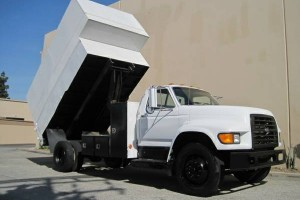 Vey Clean Ford F800 Chipper Landscape truck