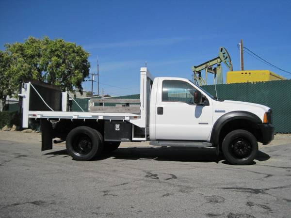 2007 Ford F550 10 Flatbed With Lift Gate And Only 5 779
