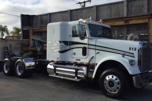 2005 Freightliner Flattop Classic