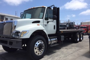2007 international 7500 24' Flatbed, Low Miles!