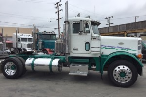 1996 Peterbilt 379 Single Axle daycab