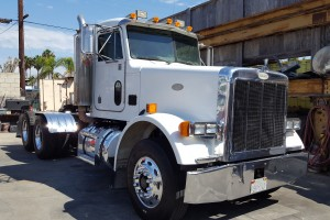 Low Miles 1995 Peterbilt 378 Daycab with PTO/Wet kit