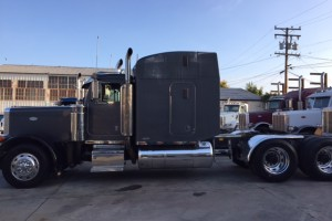 1995 Peterbilt 379 EXHD, American Class with PTO/Wet Kit!