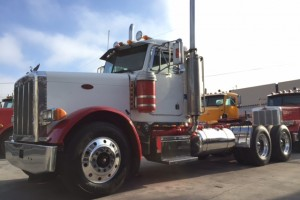 1996 Peterbilt 379 Daycab with PTO/ 2 Line Wet kit!