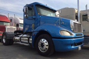05 Freightliner Columbia Single Axle Daycab with DPF