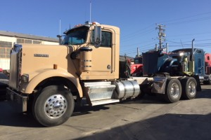 Very Clean 00 KW W900b Daycab with PTO/Wet Kit!