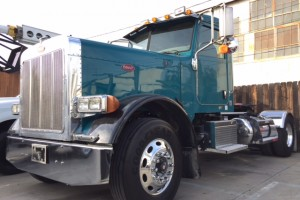 2007 Peterbilt 379 EXHD SNGL Axle Daycab with DPF