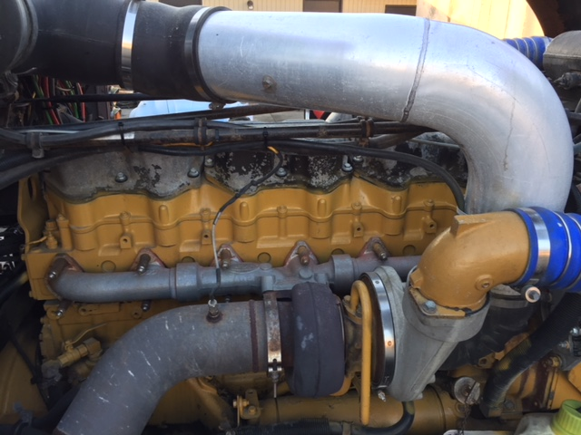 2000 Freightliner Classic XL with 1999 Build Date Big CAT & 18 spd (DPF)