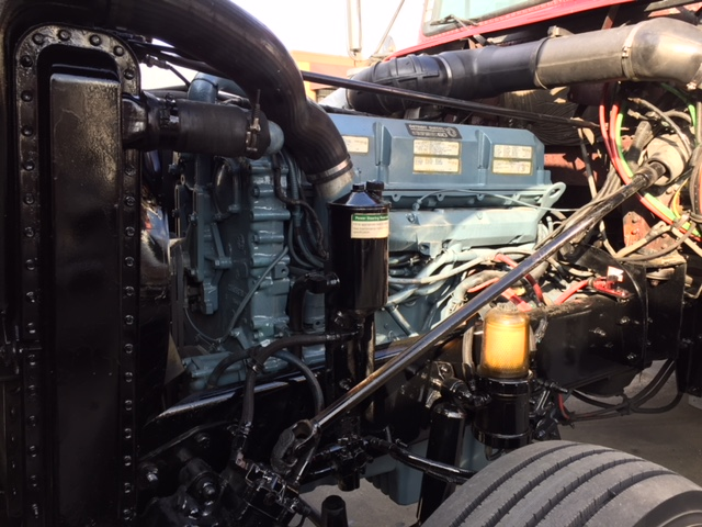 2001 Freightliner Classic XL with New rebuild Engine & Transmission