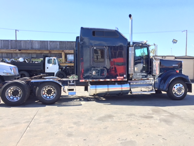 1995 Kenworth W900 Elog Exempt With A Studio Sleeper